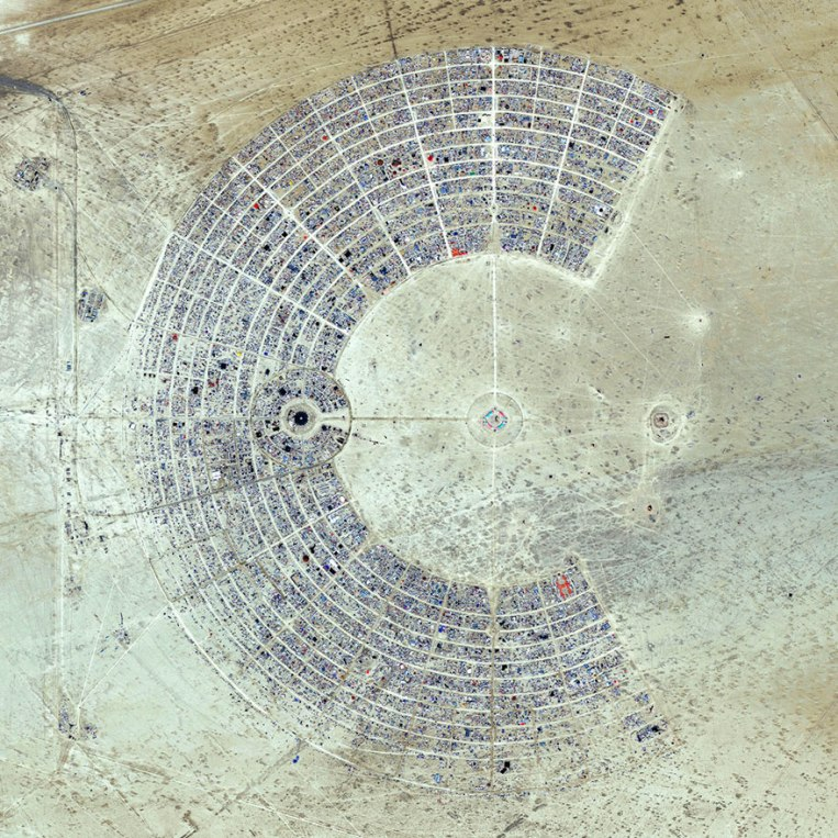 satellite-aerial-photography-daily-overview-benjamin-grant-32-5816f68676841__880
