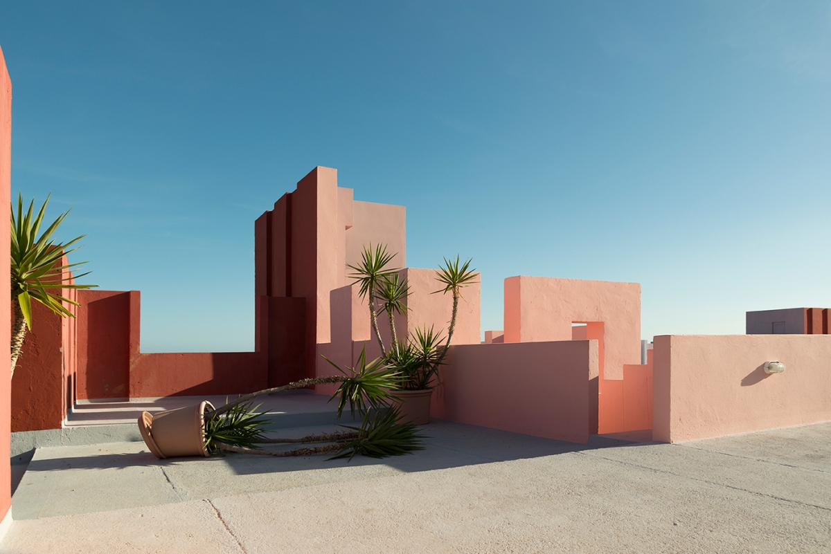 Andres Gallardo captures the red walls in  La Muralla Roja