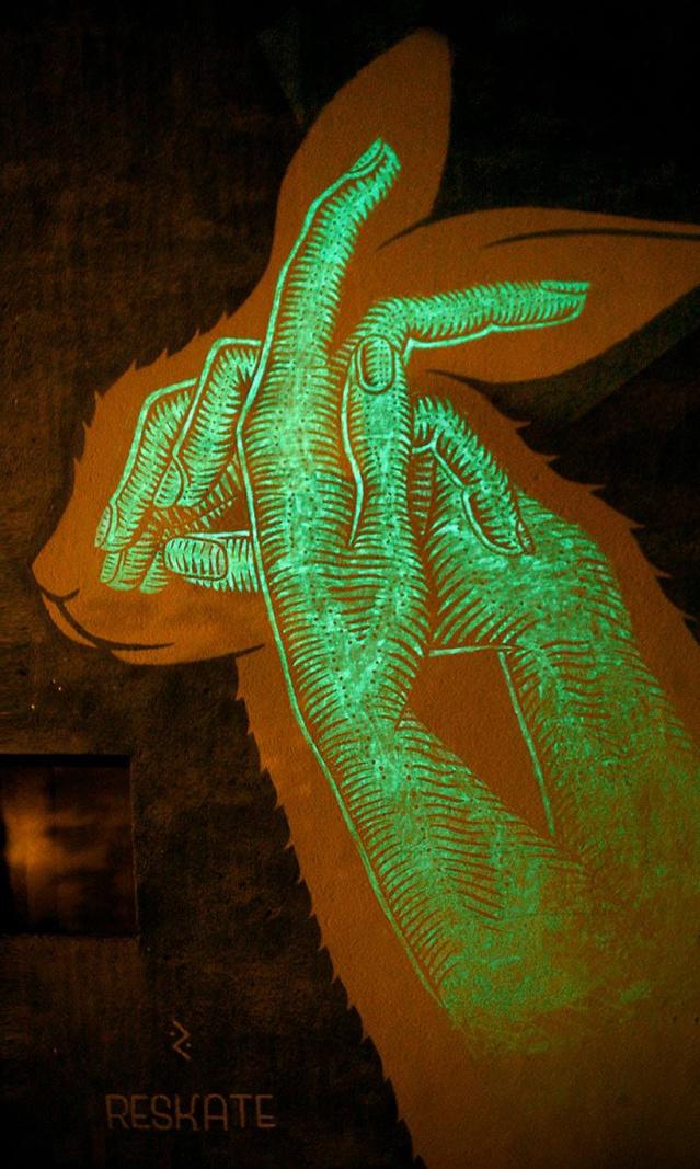 glow-in-the-dark-street-art-reskate-studio-designboom-05