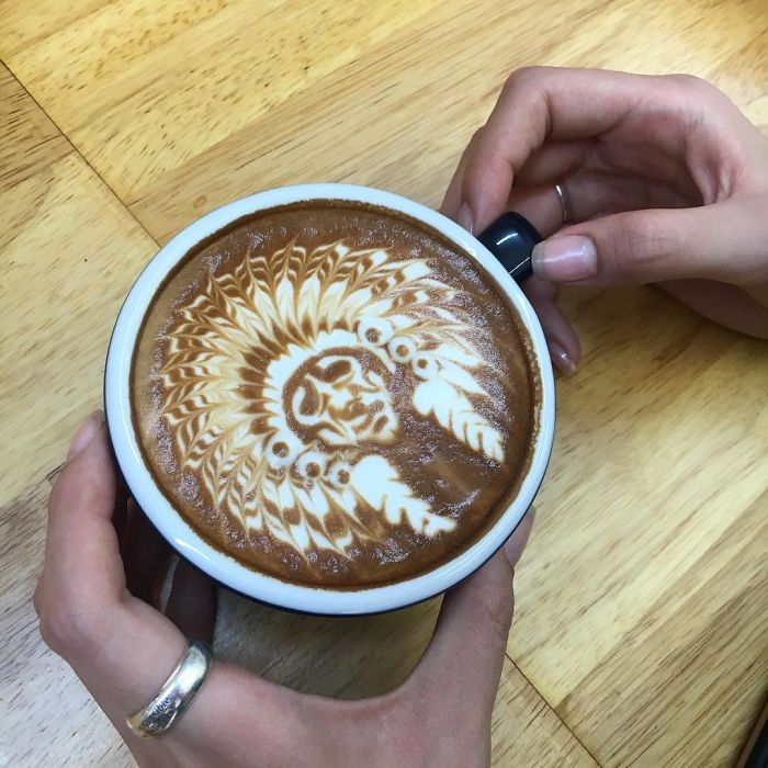 Artistic-barista-from-korea-who-draws-art-on-coffee-5912bec24bbc4__700
