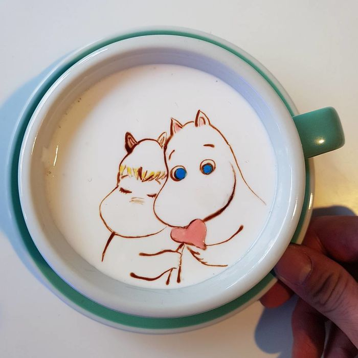 Artistic-barista-from-korea-who-draws-art-on-coffee-5912becb06299__700