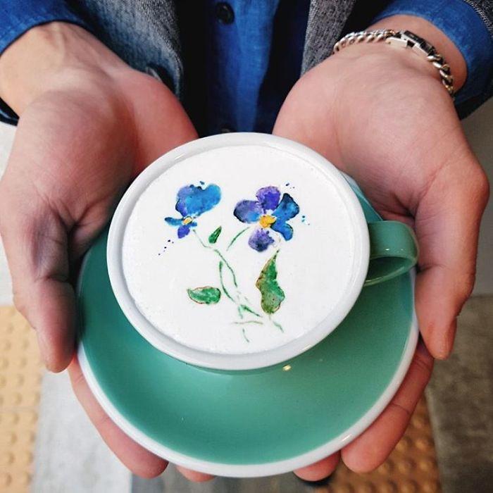 Artistic-barista-from-korea-who-draws-art-on-coffee-5912bedd11c42__700