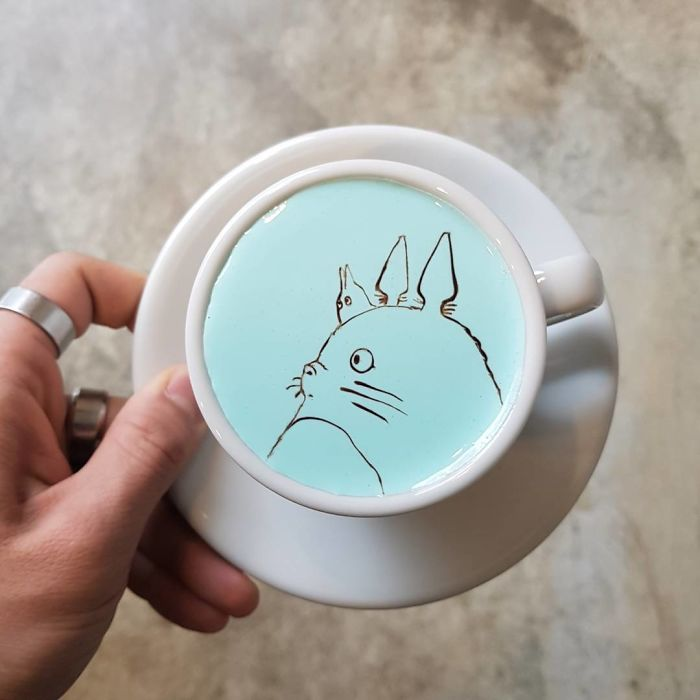 Artistic-barista-from-korea-who-draws-art-on-coffee-5912befda5118__700