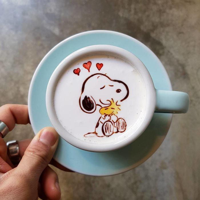 Artistic-barista-from-korea-who-draws-art-on-coffee-5912beff96185__700