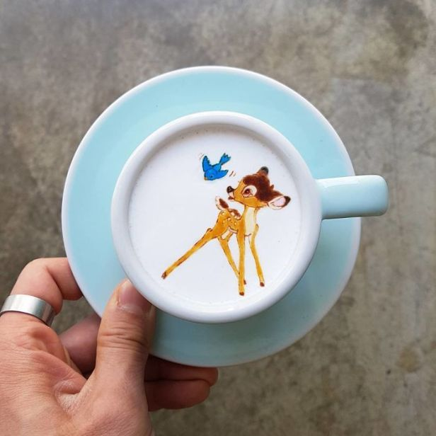 Artistic-barista-from-korea-who-draws-art-on-coffee-5912bf3bc2309__700