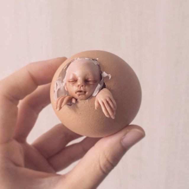 The-Scary-Baby-Carving-Sculptures-by-Artist-Qixuan-Lim-591a9e4641557__700