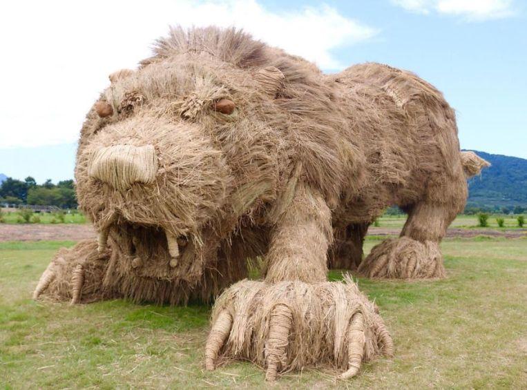 straw-sculptures-wara-art-festival-niigata-japan-3-59d5d474dd02b__880