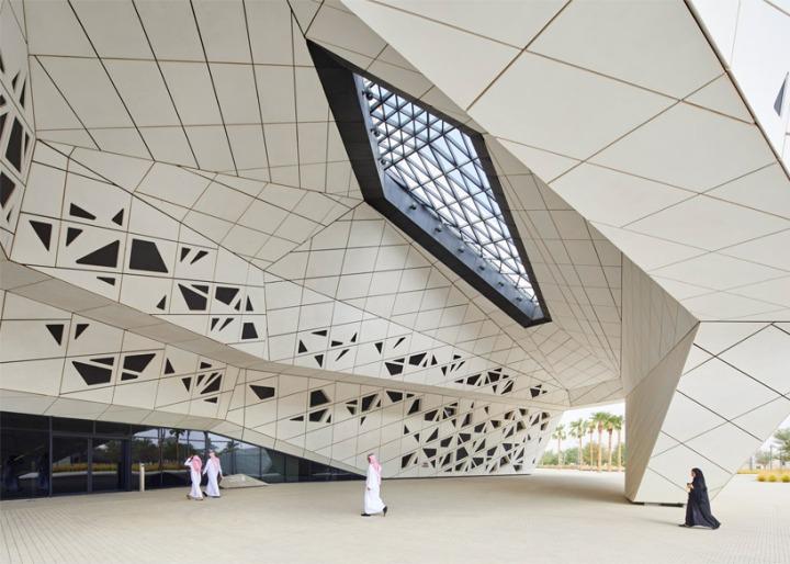 zaha-hadid-architects-kapsarc-saudi-arabia-designboom02