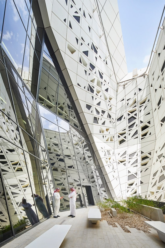 zaha-hadid-architects-kapsarc-saudi-arabia-designboom05