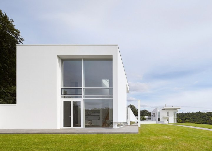 riba-house-of-the-year-award-architecture-residential_dezeen_2364_ss_10-1704x1217