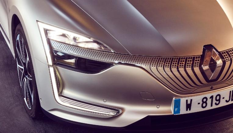 2017-renault-symbioz-demo-car-1