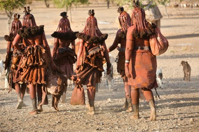 himba-women-namibia