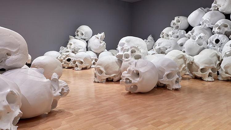 ron-mueck-national-gallery-victoria-triennial-6