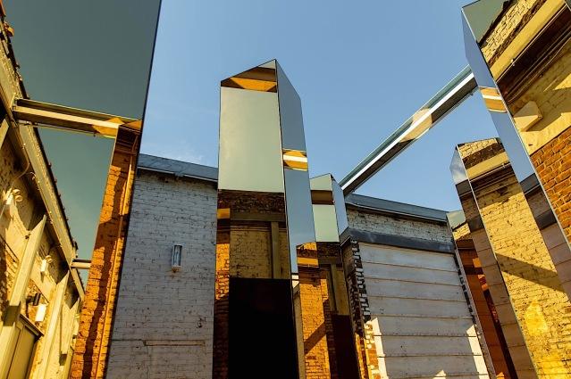 Spirit-of-the-City-Installation-P90304956-highRes