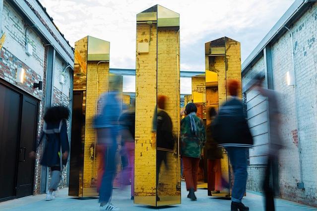 Spirit-of-the-City-Installation-P90304962-highRes