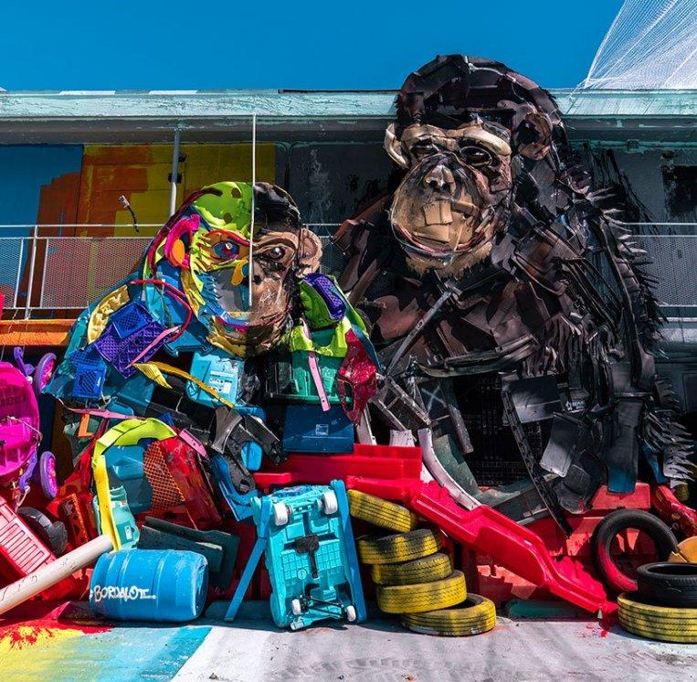wild-wild-waste-zoo-parody-bordalo-II-las-vegas-designboom-08
