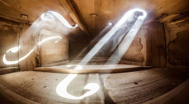 photographs-inside-cello-adrian-borda-21-5be18c226379b__700